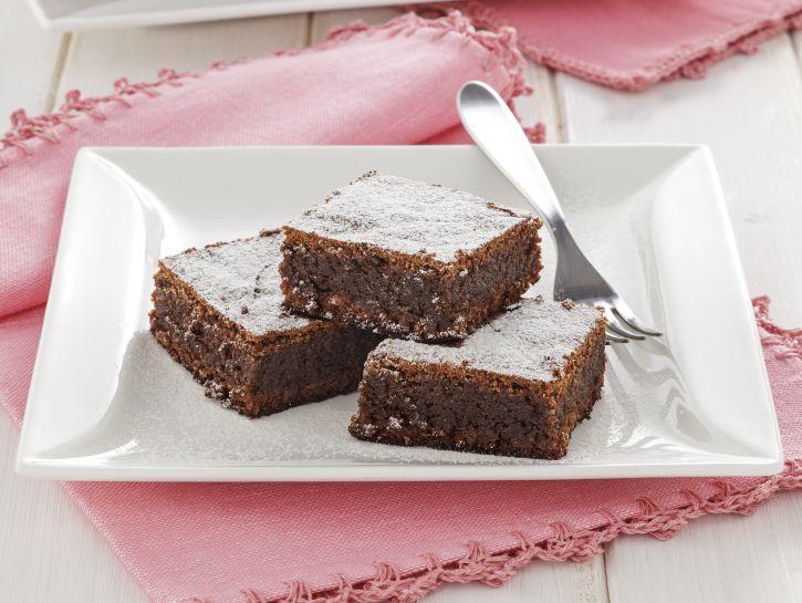 quadrotti-con-mandorle-e-cioccolato preparazione
