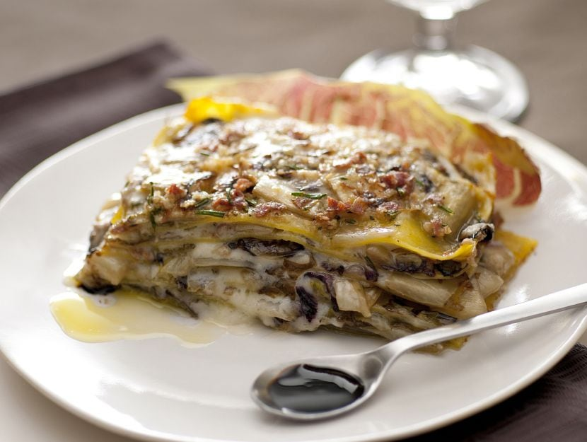 teglia-con-radicchio-al-lardo-castelmagno-e-aceto-balsamico ricetta