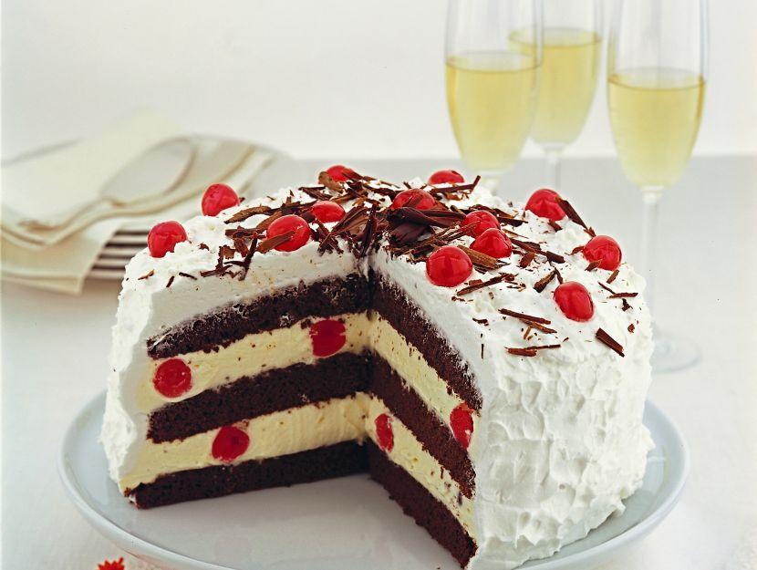 torta-foresta-nera-con-chantilly