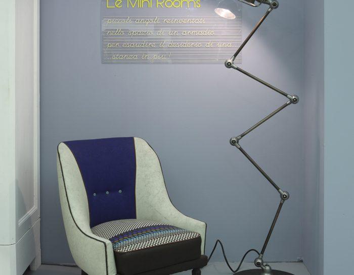 Zona lettura: poltrona e lampada