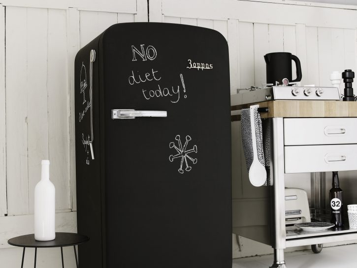 Arredo cucina fai da te: frigorifero lavagna