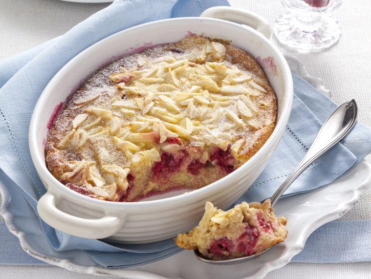 pudding-con-lamponi-e-mandorle preparazione
