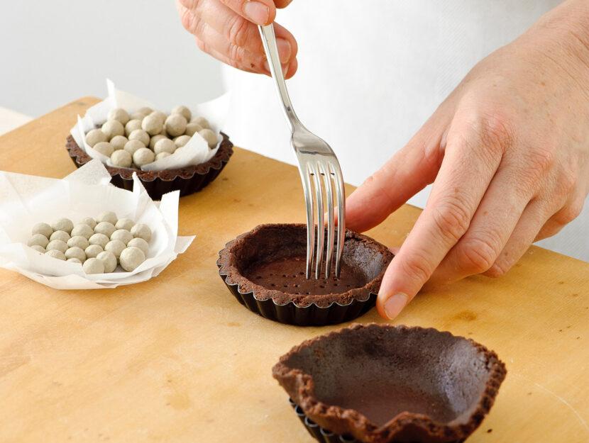 Pasta frolla al cioccolato: ricetta crostatine