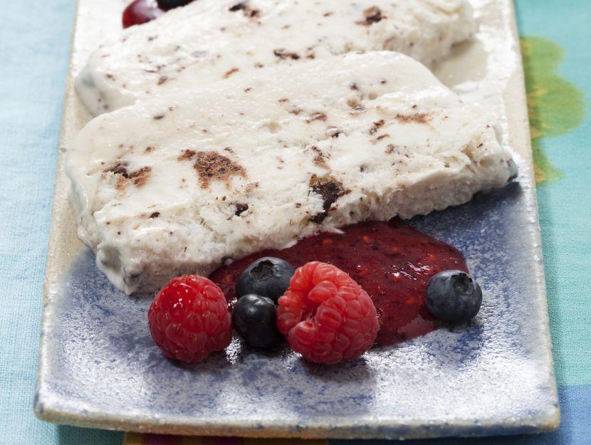 semifreddo-di-ricotta-e-yogurt-al-miele preparazione