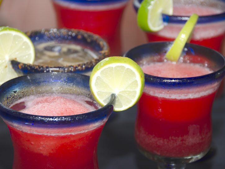 I cocktail analcolici sani e freschi per l'estate