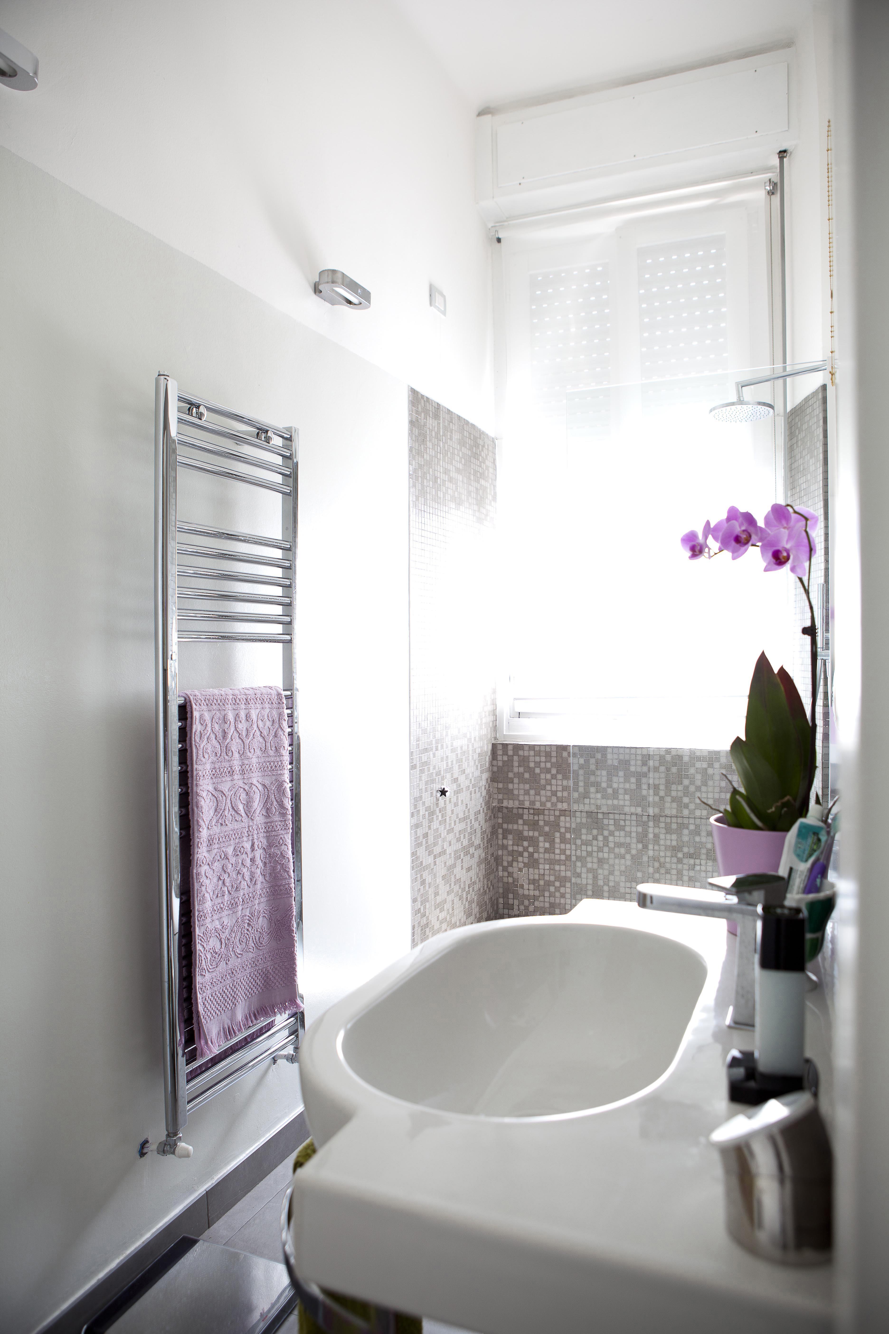 Immagini Di Bagni Piccoli spazi ristretti? 7 idee per arredare un bagno piccolo