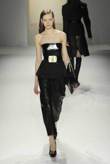 Calvin Klein: sexy con la pelle nera