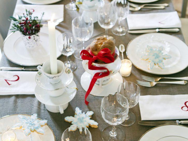 Apparecchiare la tavola di Natale: decorare casa per le feste