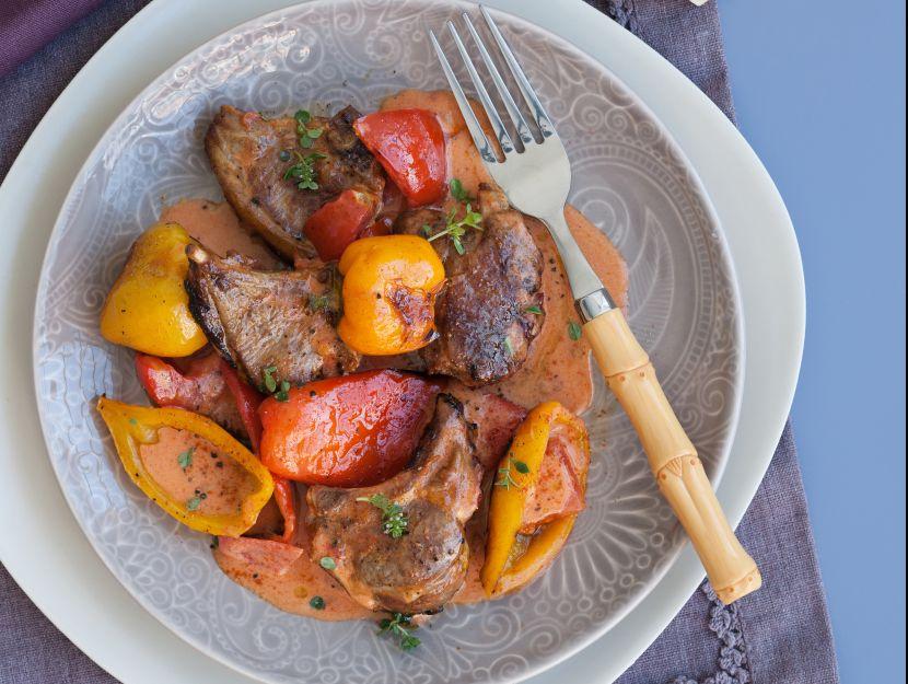 agnello-al-forno-con-peperoni
