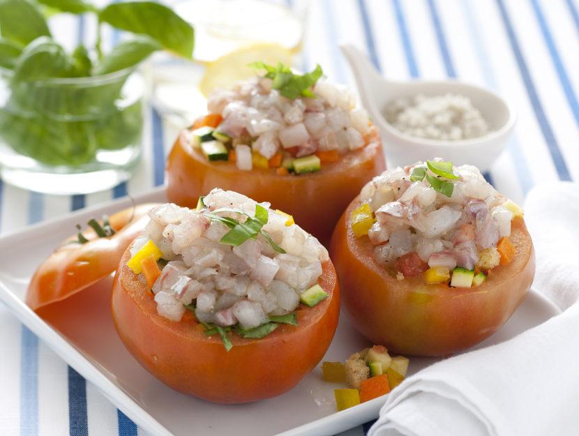 pomodori-con-panzanella-e-pesce immagine