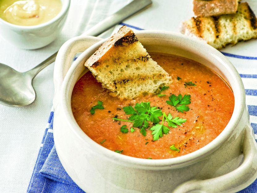 zuppa-corsa-con-salsa-rouille-e-crostini foto