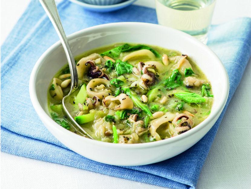 zuppa-di-seppie-con-bietole-e-zucchine foto