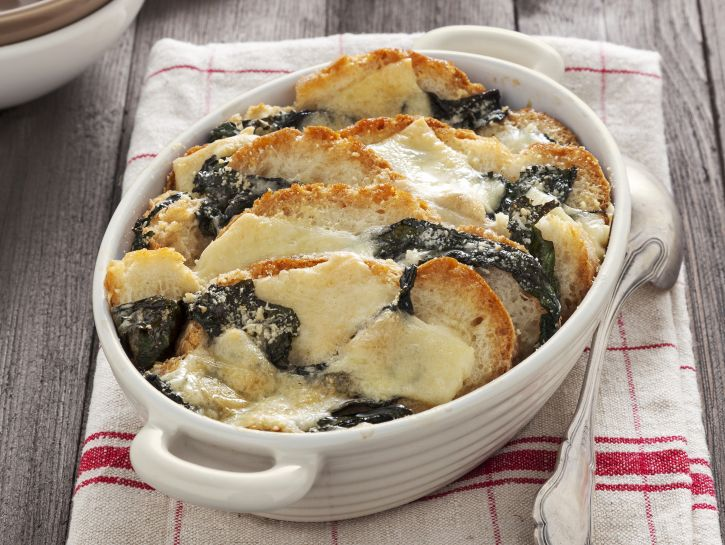 zuppa-gratinata-di-pane-caciotta-e-bietole immagine