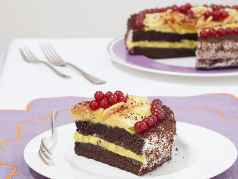 torta-al-cioccolato-e-crema-al-mango immagine