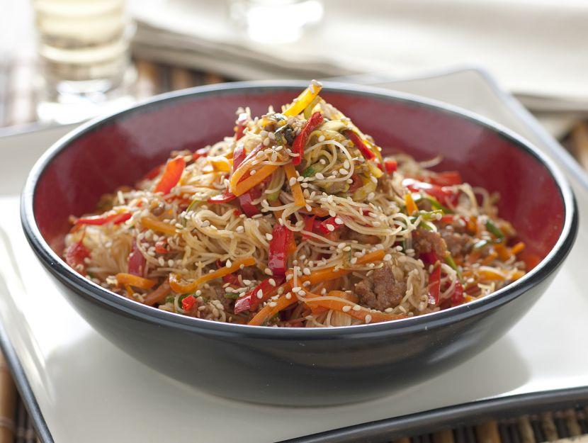 noodles-con-maiale-e-verdure immagine