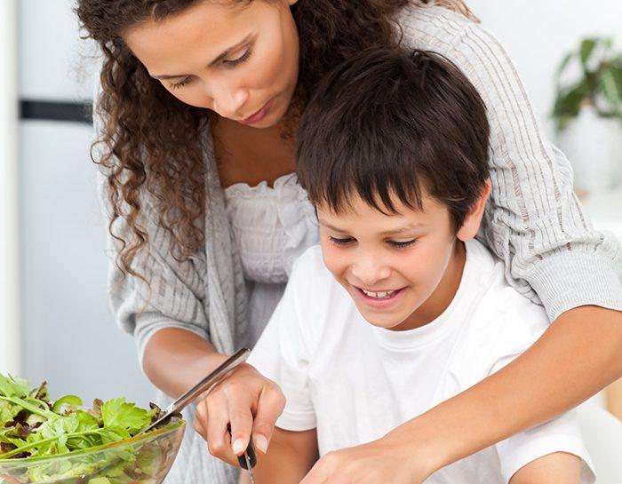Madre e figlio vegetariani