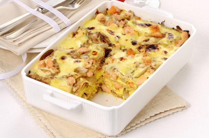 Lasagne di crepes con salmone allo zafferano