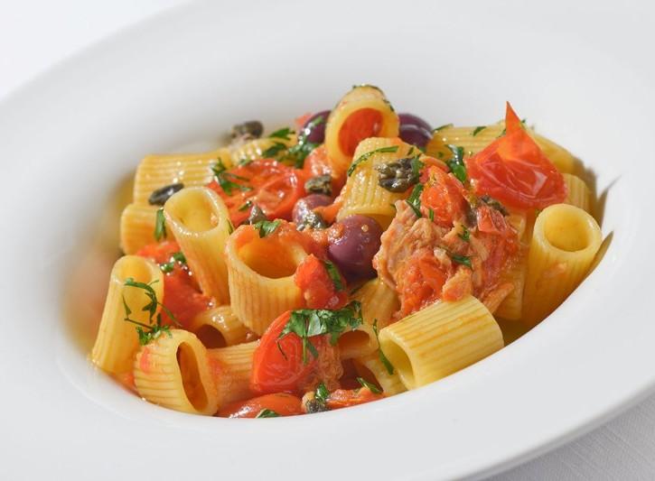 Mezze maniche tonno e olive