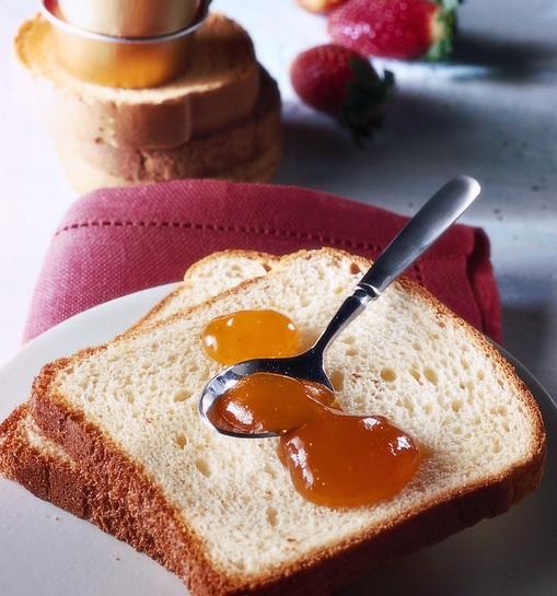 Pane e marmellata di lamponi