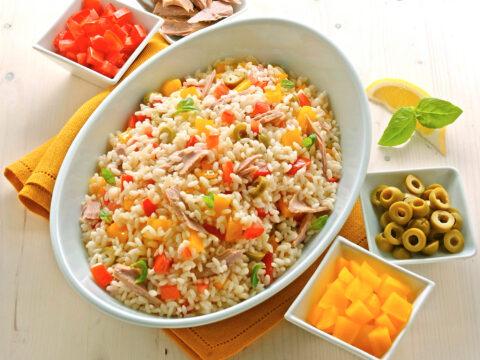 I trucchi per preparare l'insalata di riso