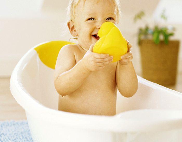 bambini e acqua