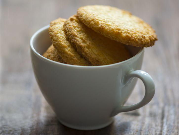 Biscotti al cocco in tazza