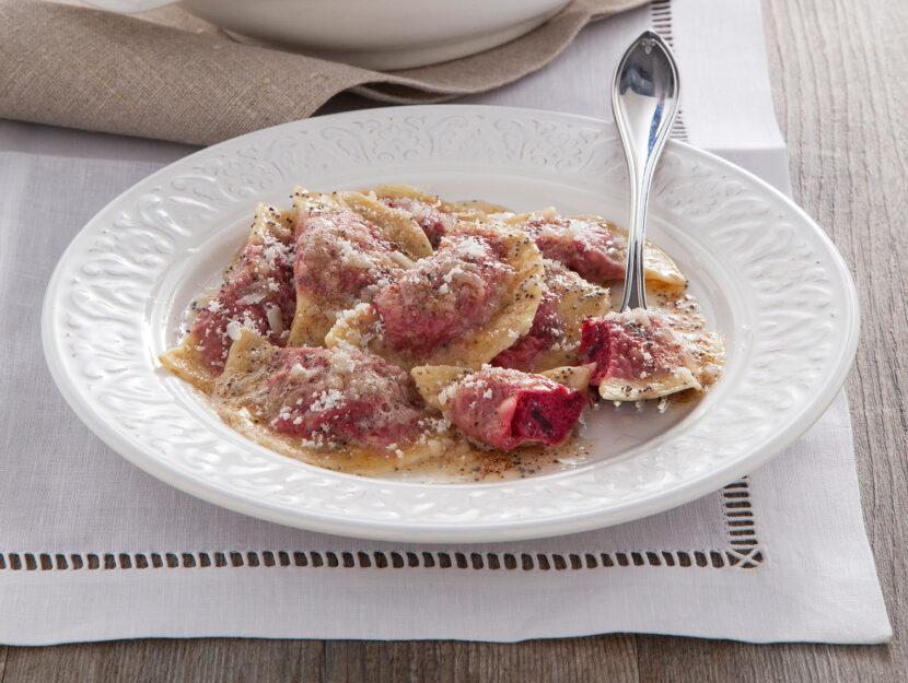 Casoncelli o casonsei ampezzani con barbabietola