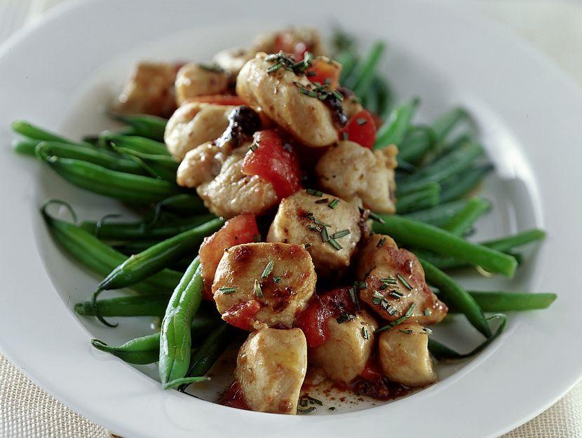 coniglio-tiepido-con-fagiolini-e-pomodori