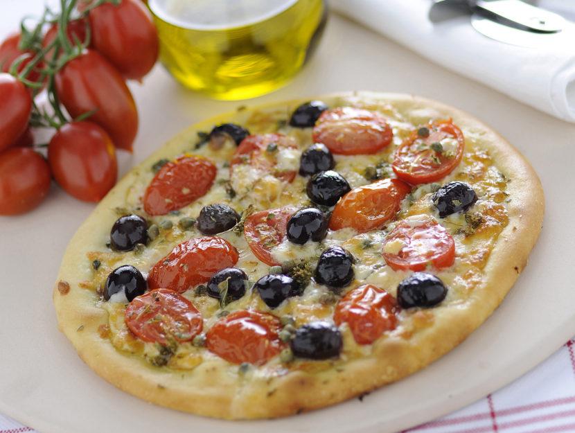 pizza-pomodorini-olive-e-capperi