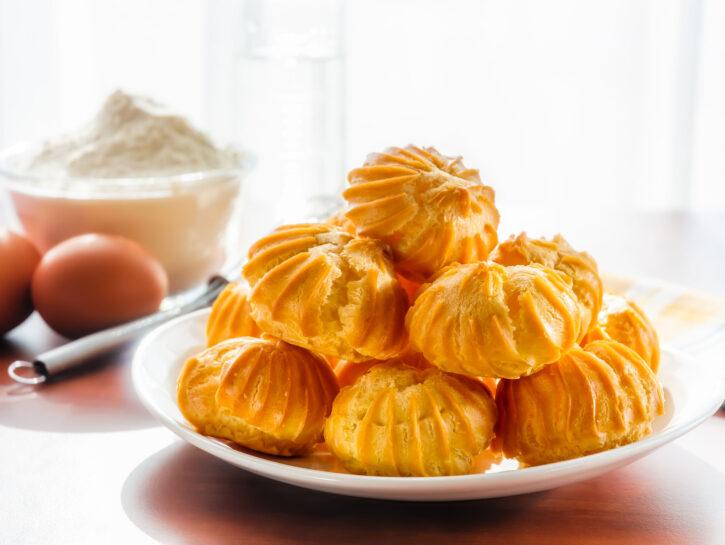 Bignè di pasta choux - Credits: Olycom