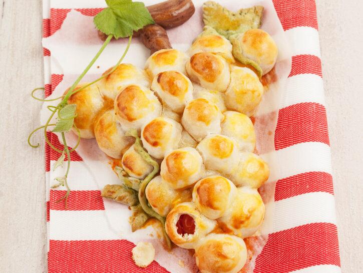 Grappolo di pane con pomodorini