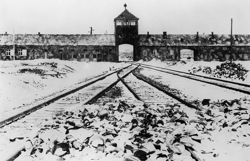 27 gennaio 1945 la liberazione di Auschwitz