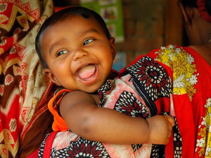 Scegliere una bomboniera UNICEF significa fare di un momento speciale l'occasione unica per salvar