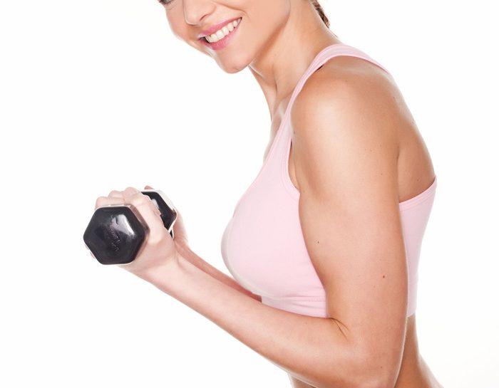Tonificati con i pesi di pochi chili