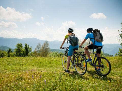Vacanze alternative a contatto con la natura: alla scoperta del cicloturismo
