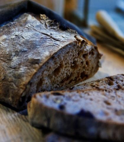 Ingredienti500 g di farina 001 cucchiaino di sale1 cubetto di lievito di birra6 g di carbone vegetal
