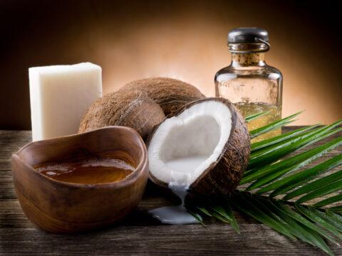 I modi di usare l'olio di cocco sono tantissimi e qui te li raccontiamo