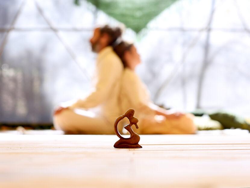 sesso e yoga, i benefici per la coppia