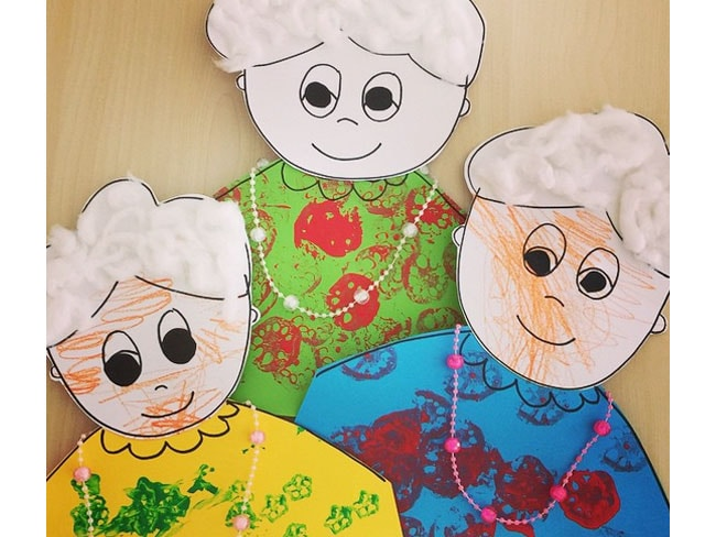 IL RITRATTO DELLA NONNAUn'idea facile da riprodurre per la Festa dei nonni. Procurati cartonicini c