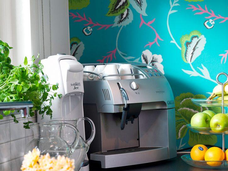 Dipingi le paretiSpendere poco e rinnovare la cucina? È possibile. La prima regola è fare attenzi