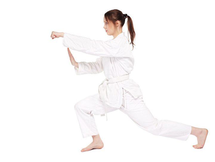 Pancia piatta con il karate