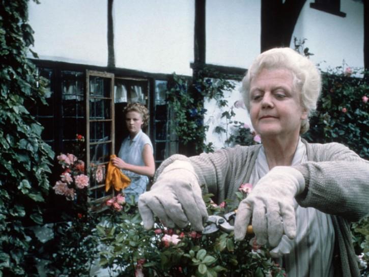 Angela lansbury la signora in giallo compie 90 anni - Assassinio allo specchio ...