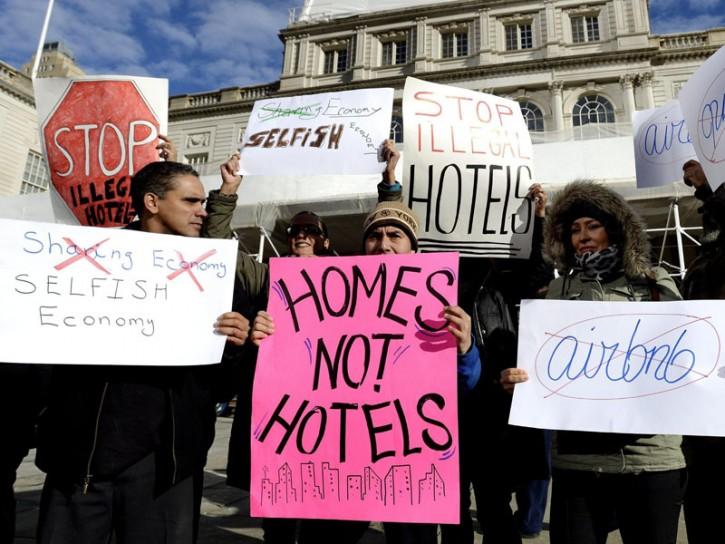 Airbnb New York manifestazioni contro