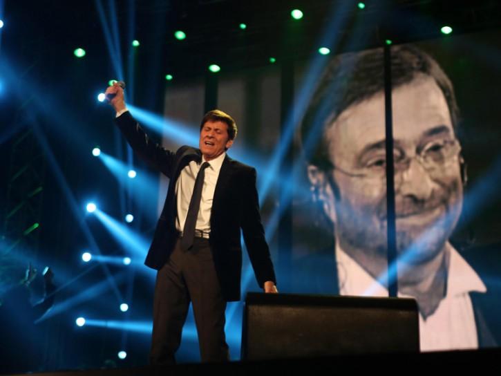 Gianni Morandi Lucio Dalla 2013