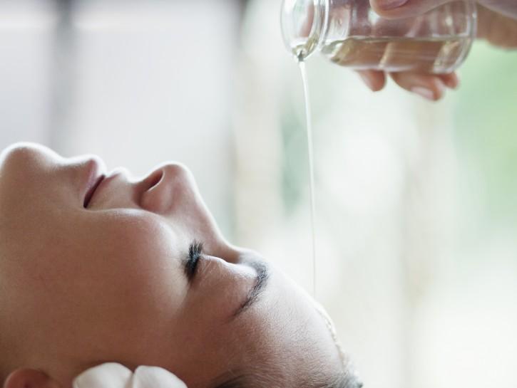 Olio naturale per capelli: impacco di bellezza