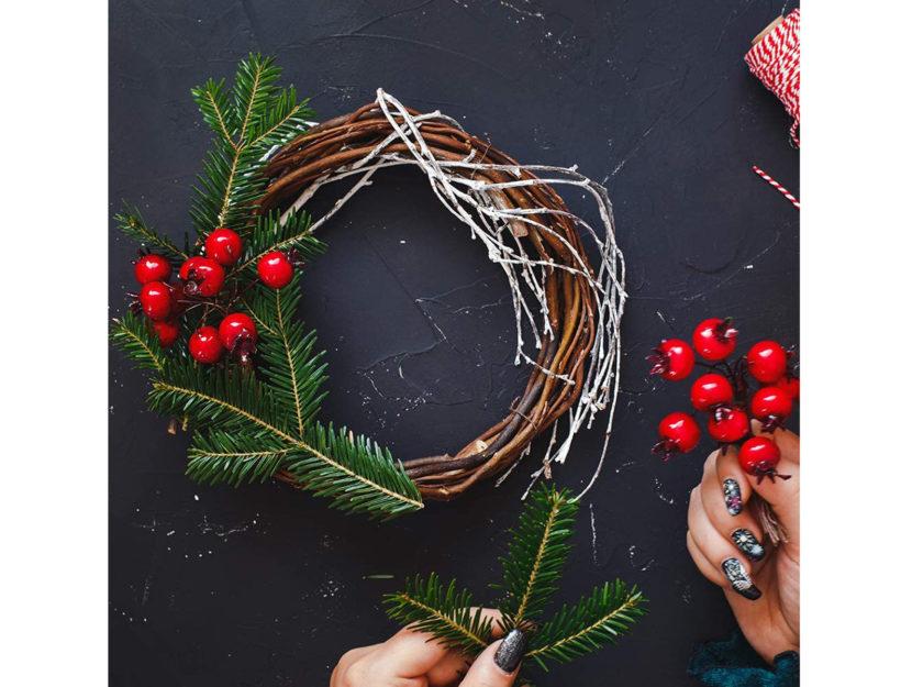 Immagini Di Ghirlande Di Natale.Ghirlanda Natalizia Come Realizzare Le Decorazioni Fai Da Te Donna Moderna