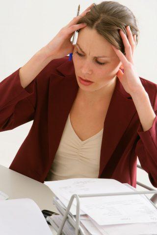 Dolori muscolari, crampi allo stomaco, colite, sensazione di stanchezza generale, iperattività o, a