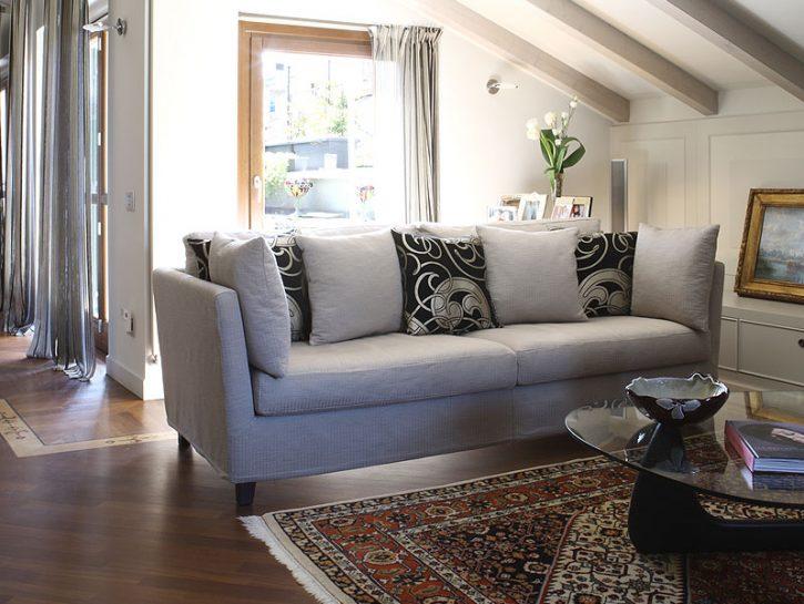 CONSIGLI PER ARREDARELa presenza del legno scalda immediatamente l'ambiente di casa. Sai che è pos