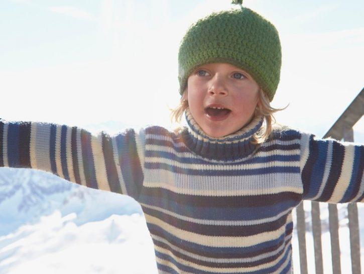 Giocare all'aperto in inverno fa bene alla salute