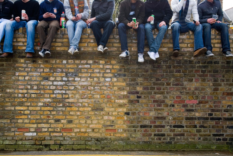 Non bulli ma criminali e la legge che li punisce c gi for Gruppo bullone muro